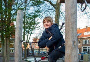 Buitenspelen bij buitenschoolse opvang - Up Kinderopvang aan Caspar Fagelstraat in Delft
