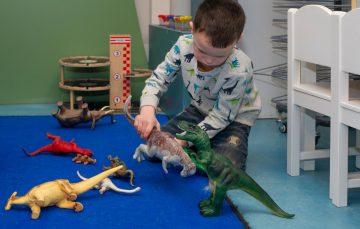 Dinosaurussen komen tot leven bij peuteropvang - Up Kinderopvang aan Dr Poelslaan in Rijswijk
