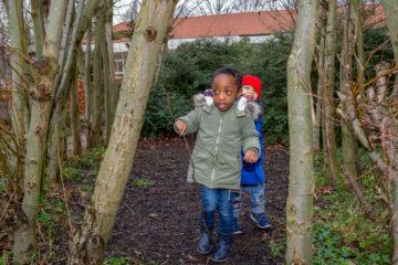 In de tuin van peuteropvang - Up Kinderopvang aan Dr Poelslaan in Rijswijk