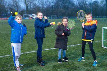 Kom je ook een potje tennissen bij buitenschoolse opvang - Up Kinderopvang aan de Brasserskade in Den Haag Ypenburg