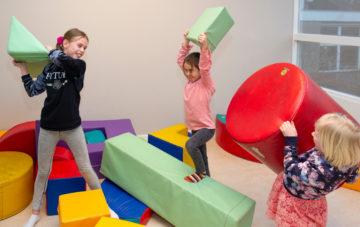Kussengevecht 2.0 bij buitenschoolse opvang - Up Kinderopvang aan de Labouchèrelaan in Rijswijk