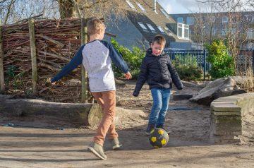 Lekker buitenspelen bij buitenschoolse opvang - Up Kinderopvang aan de Derde Werelddreef in Delft