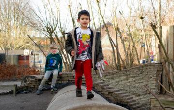 Lekker buitenspelen bij buitenschoolse opvang - Up Kinderopvang aan de Willem van Rijswijckstraat in Rijswijk