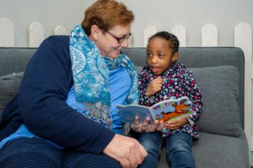 Lezen en voorlezen bij peuteropvang - Up Kinderopvang aan Dr Poelslaan in Rijswijk