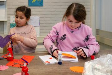 Maak je eigen kaart bij buitenschoolse opvang - Up Kinderopvang aan de P van Vlietlaan in Rijswijk