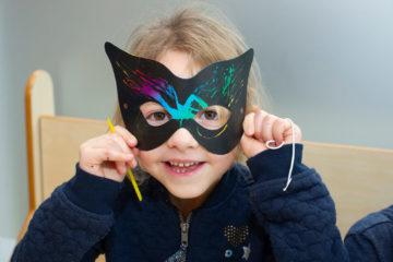 Pimp je eigen masker bij buitenschoolse opvang - Up Kinderopvang aan Laan van Hoornwijck In den Haag Ypenburg