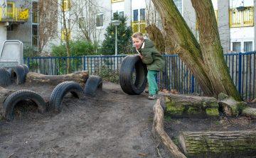 Rennen en spelen bij buitenschoolse opvang - Up Kinderopvang aan de Derde Werelddreef in Delft