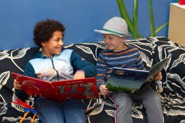 Samen grapjes maken bij buitenschoolse opvang - Up Kinderopvang aan Beetslaan in Rijswijk
