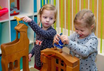 Samen spelen bij kinderdagverblijf - Up Kinderopvang aan de Esdoornstraat Rijswijk