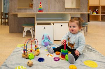 Stapelen maar die blokken bij kinderdagverblijf - Up Kinderopvang aan de Labouchèrelaan in Rijswijk