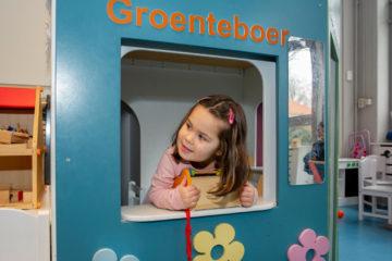Vandaag speel ik de groenteboer bij peuteropvang - Up Kinderopvang aan Dr Poelslaan in Rijswijk