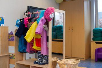 Verkleden bij peuteropvang - Up Kinderopvang aan Böttgerwater - Den Haag Ypenburg