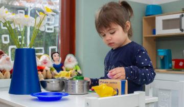 Zelf in de keuken aan de slag bij kinderdagverblijf - Up Kinderopvang aan Wethouder Fischerplantsoen in Den Haag Ypenburg